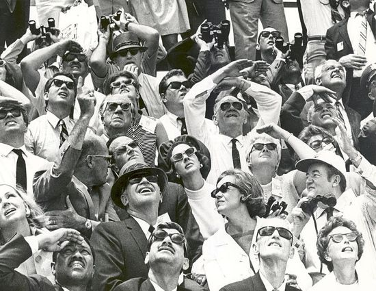 Spectators at Apollo 10 launch